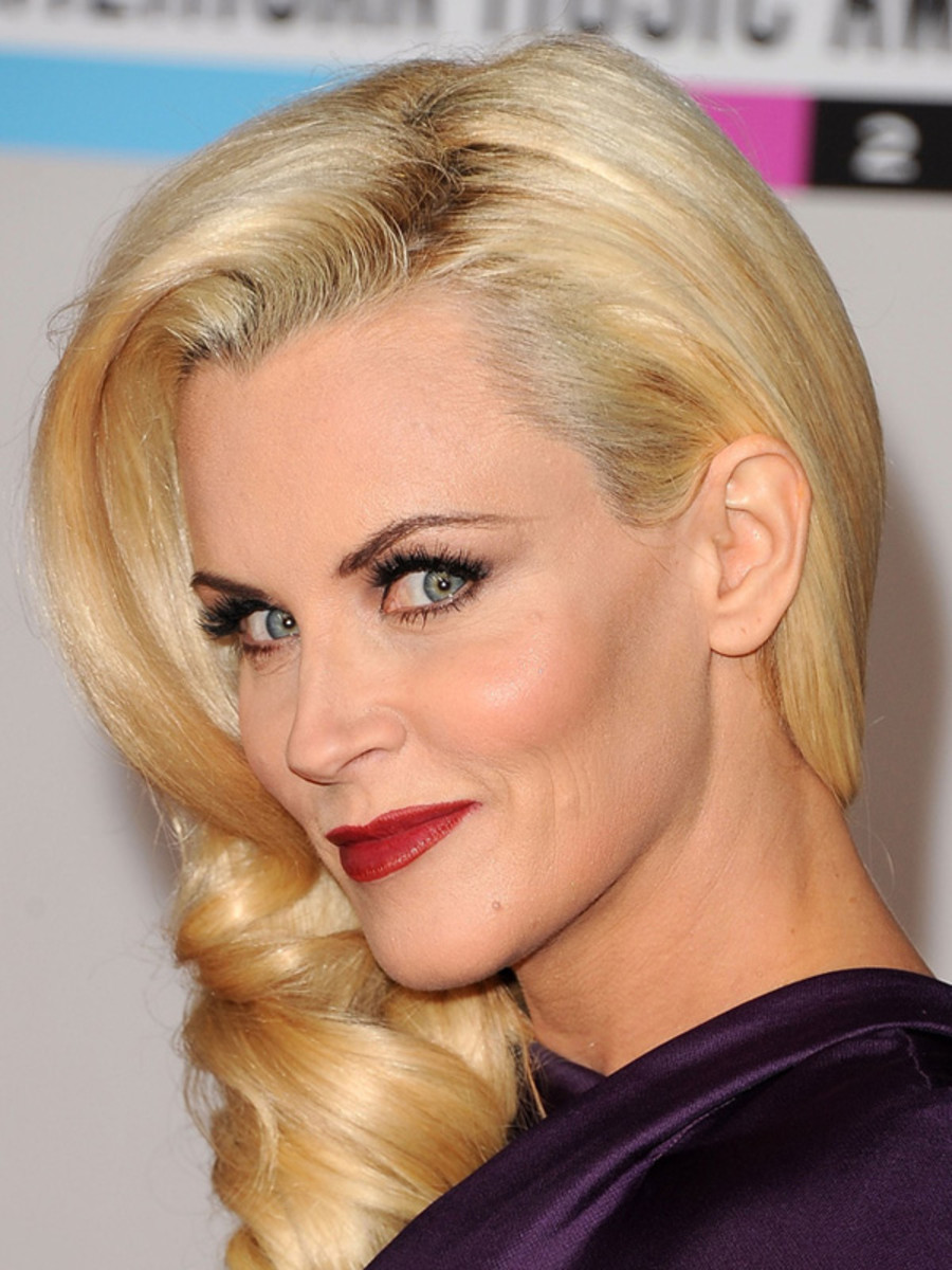 Jenny-McCarthy-2011-American-Music-Awards