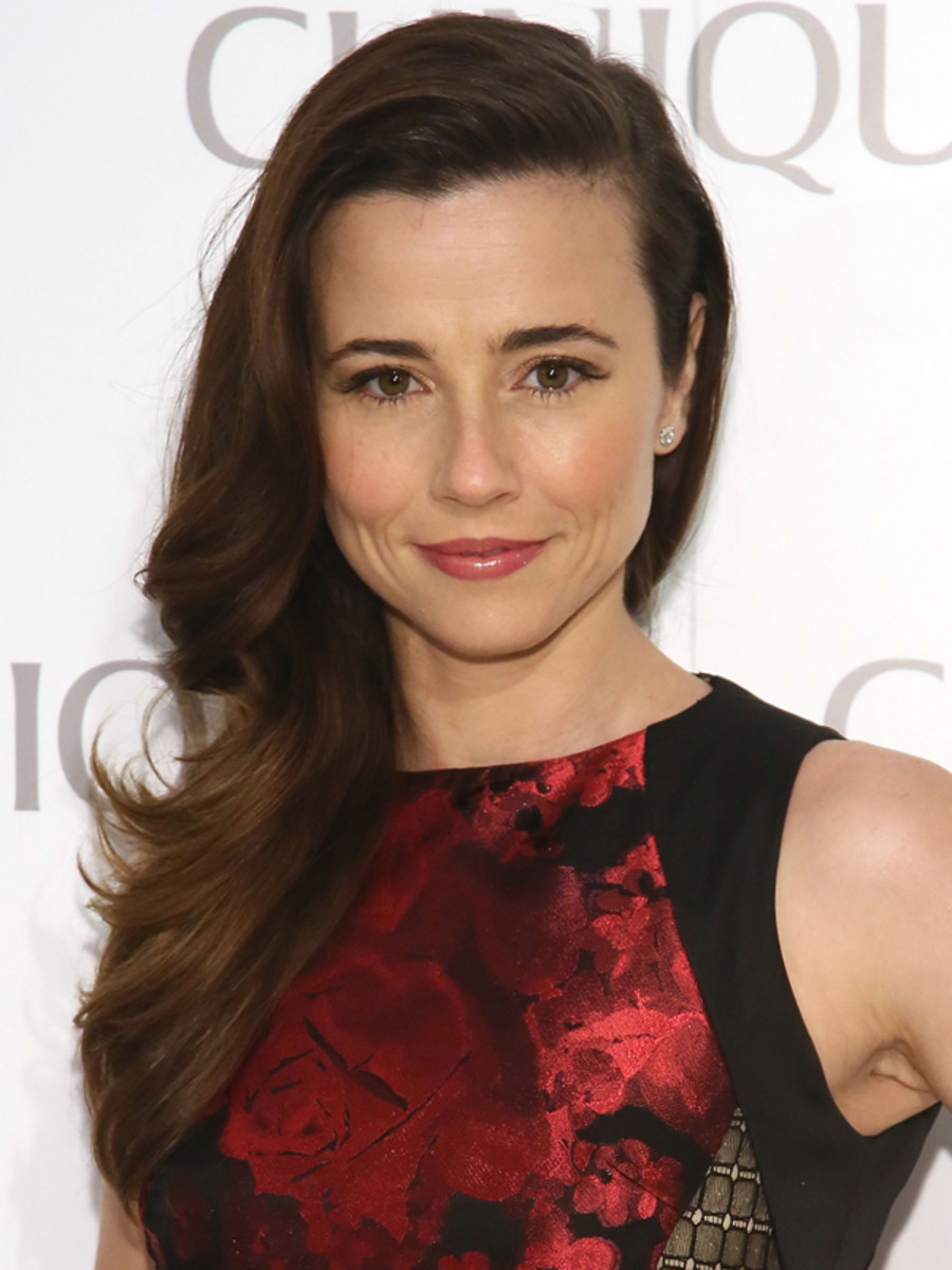 Linda Cardellini - Clinique Dramatically Different party 2013