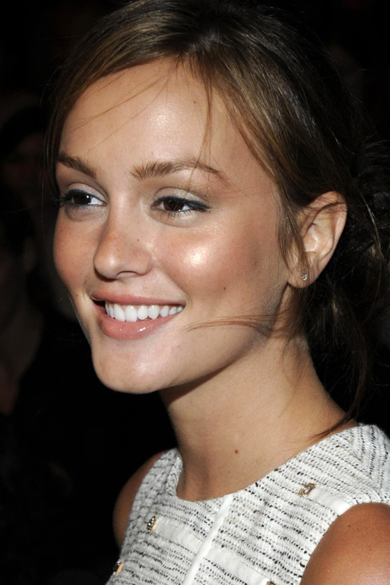 How to use bronzer - Leighton Meester at 3.1 Phillip Lim Spring 2009