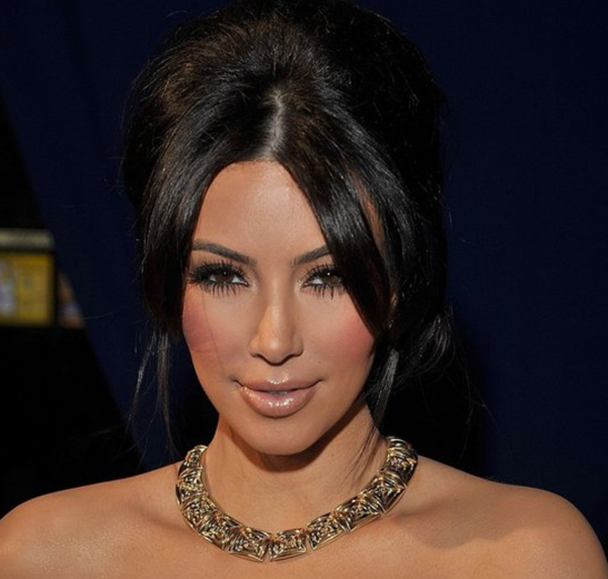 Kim-Kardashian-Peoples-Choice-Awards-Jan-2011