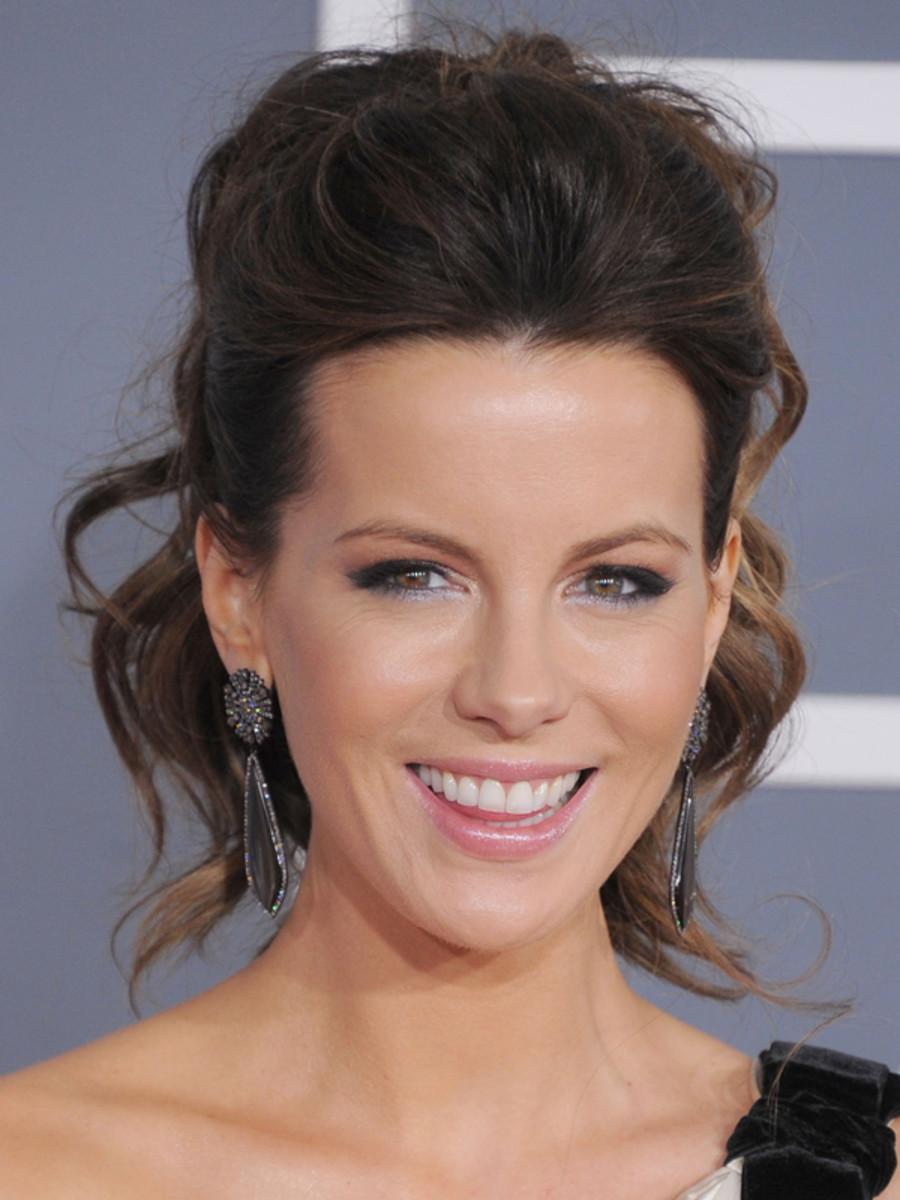 Grammy-Awards-2012-Kate-Beckinsale