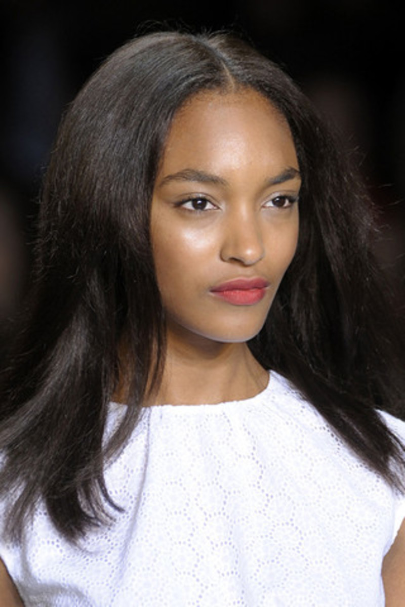 TOMMY-HILFIGER-SPRING-RTW-2011-BEAUTY-008_runway
