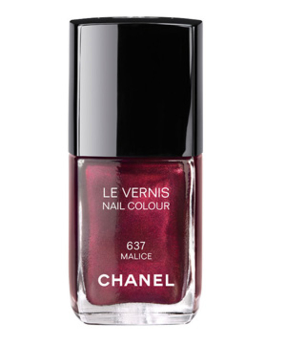 Chanel Nail Colour in Malice