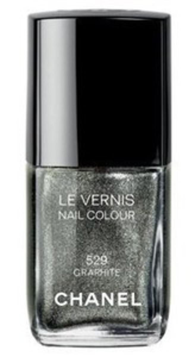 Chanel Le Vernis Nail Colour in Graphite
