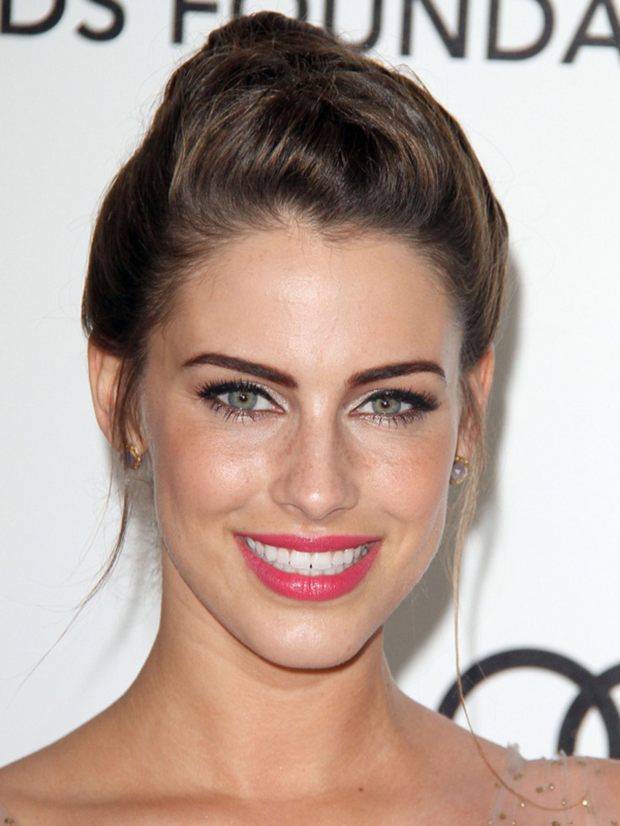 Oscars-2012-Elton-John-AIDS-Foundation-Viewing-Party-Jessica-Lowndes