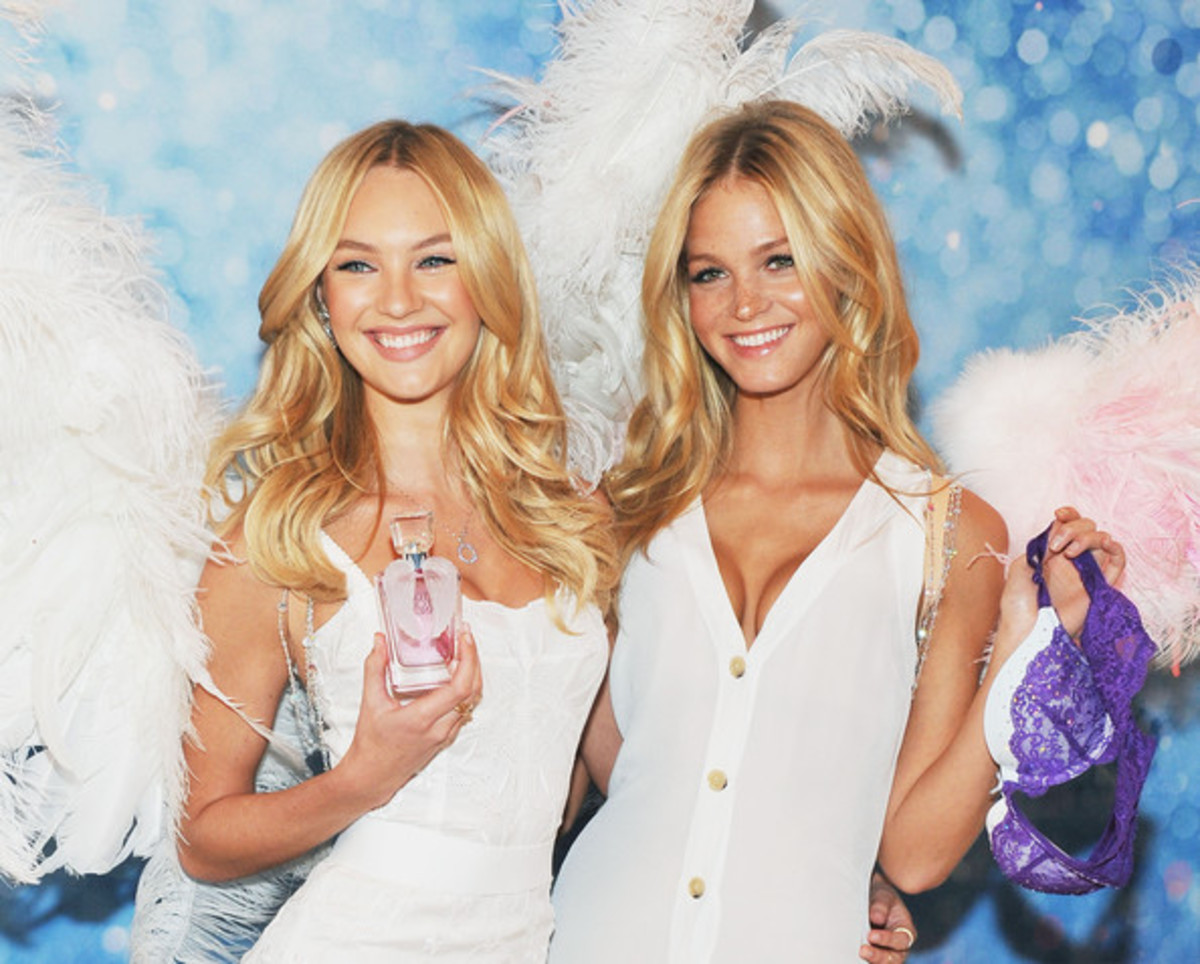 Victorias-Secret-Angel-fragrance-launch-2011