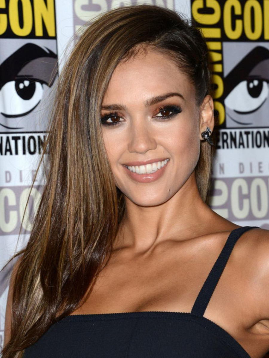 Jessica Alba hair, Sin City A Dame To Kill For Experience, Comic Con 2014 (1)