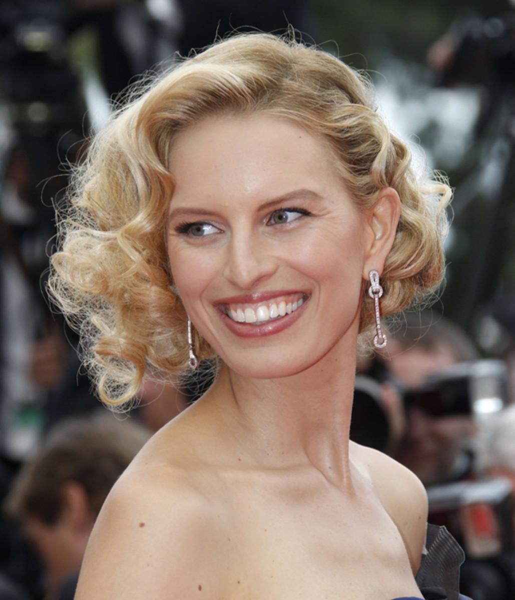 Karolina-Kurkova-Cannes-2011