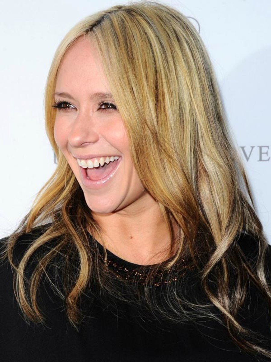 Jennifer Love Hewitt Has Dyed Her Hair Blonde Really