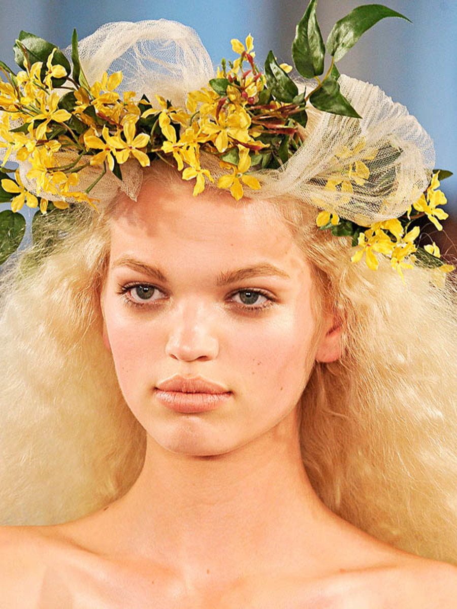 Oscar-de-la-Renta-Spring-2012-beauty-3
