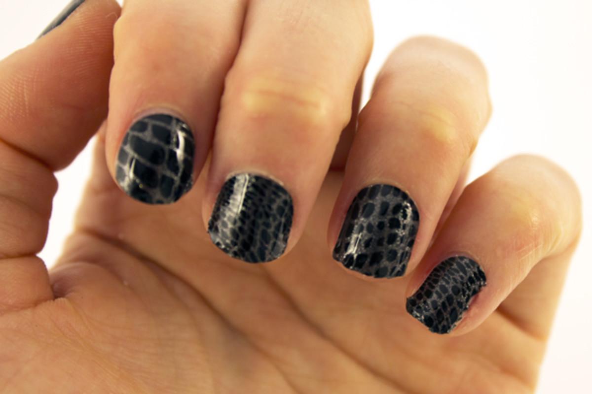 Sally Hansen InstaGel Strips - Step 6b