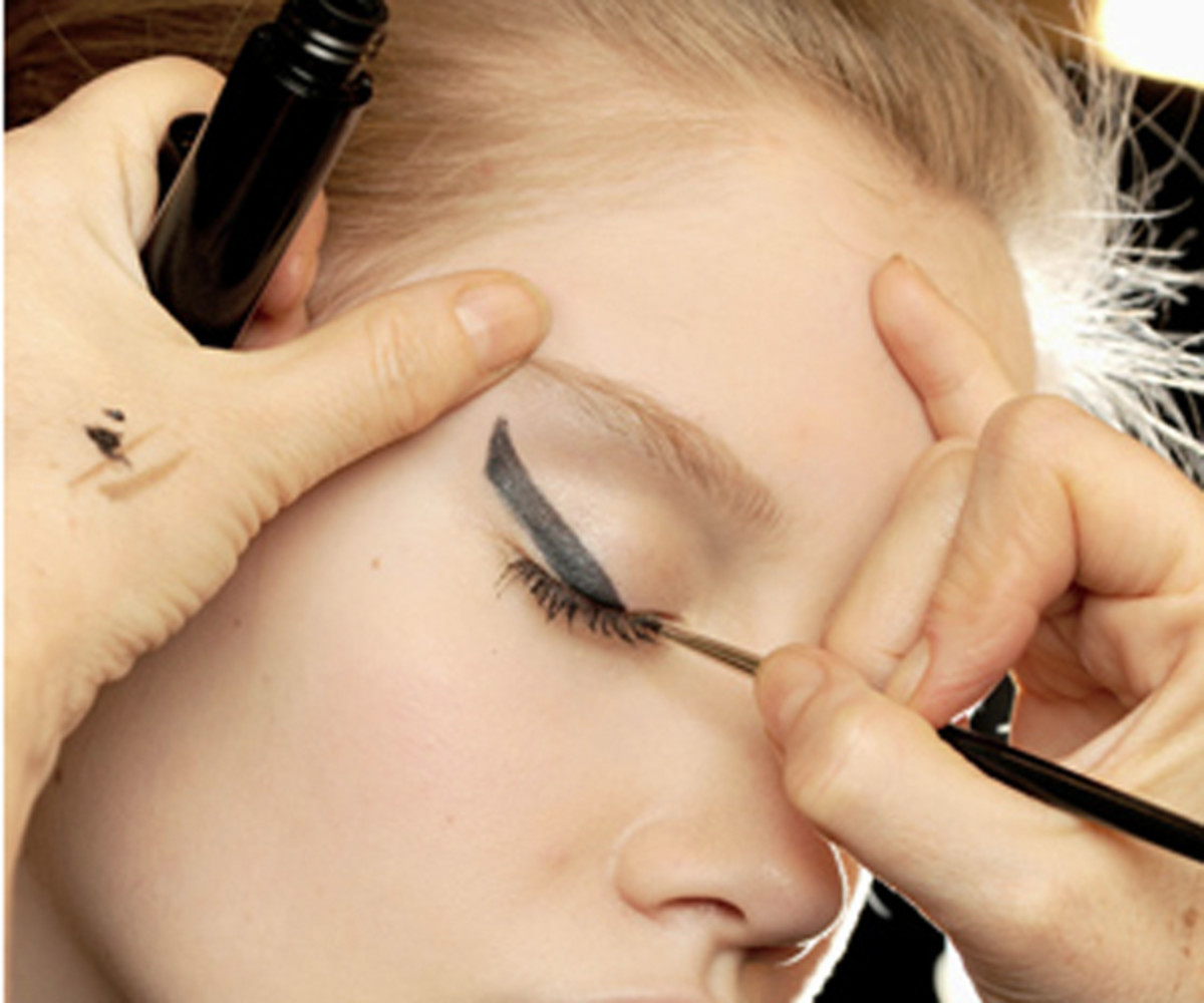 Chanel-SS11-Couture-makeup