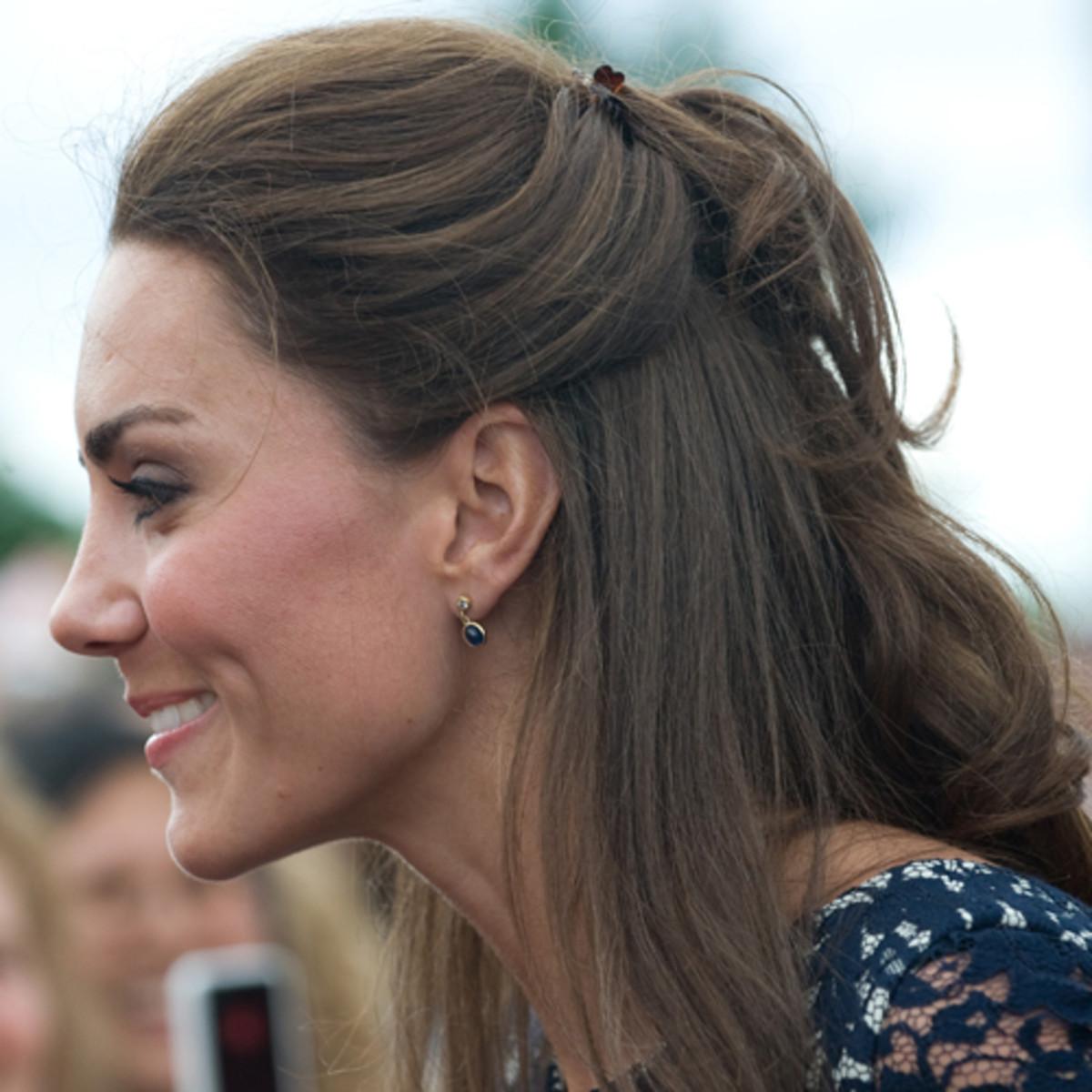 Kate-Middleton-Canada-2011-half-up-half-down-hair