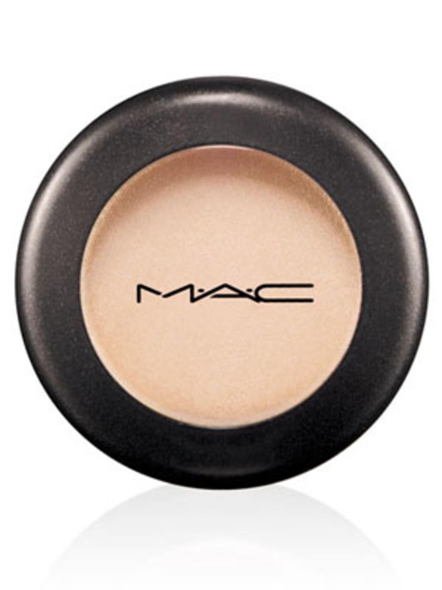 MAC Eye Shadow in Shroom