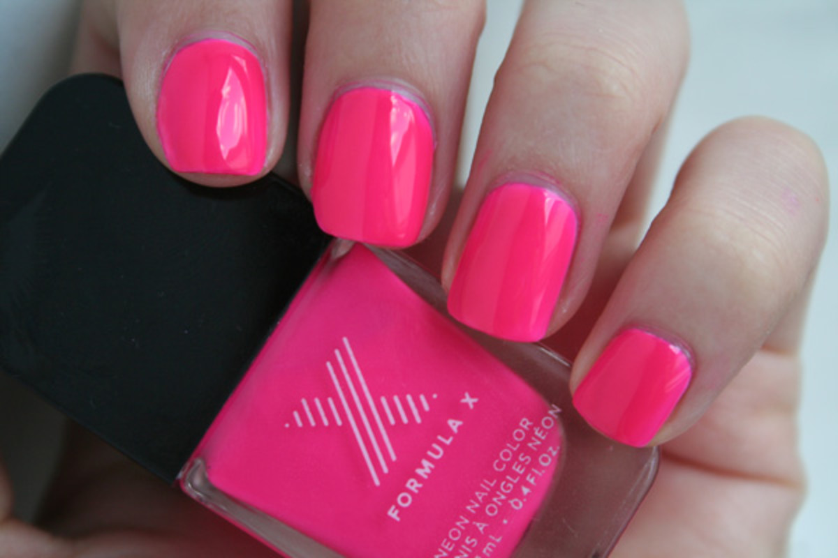 The Best Neon Nail Polishes of Summer 2014 - Beautyeditor