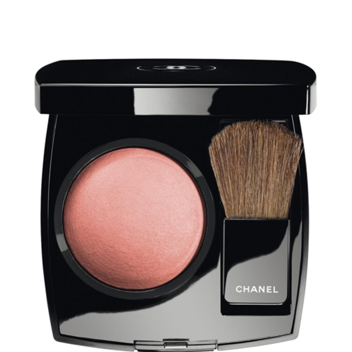 Chanel Joues Contraste Powder Blush in Rose Petale