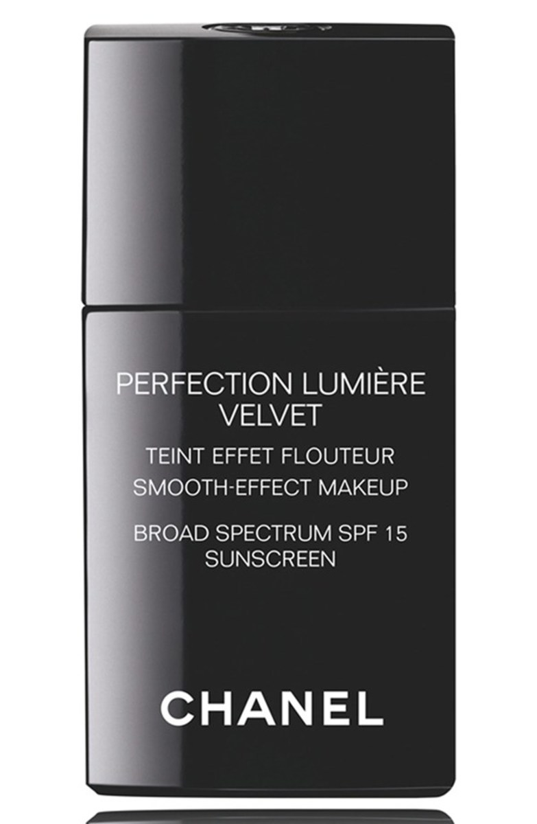 Chanel Perfection Lumiere Velvet Smooth-Effect Makeup