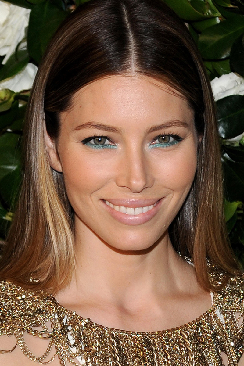 Jessica Biel Has Teal On Her Lower Lash Lines Beautyeditor