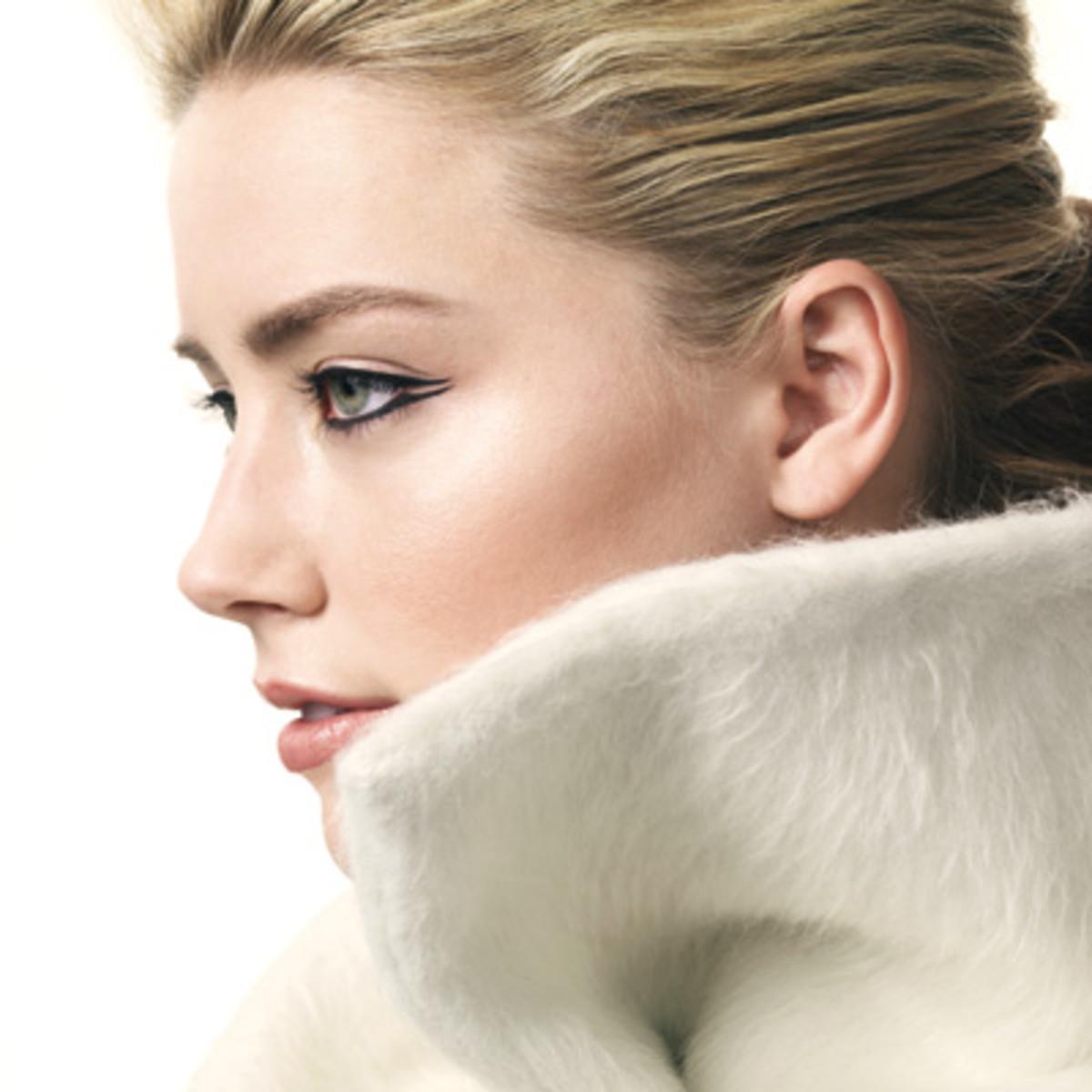 Amber-Heard-double-winged-eyeliner