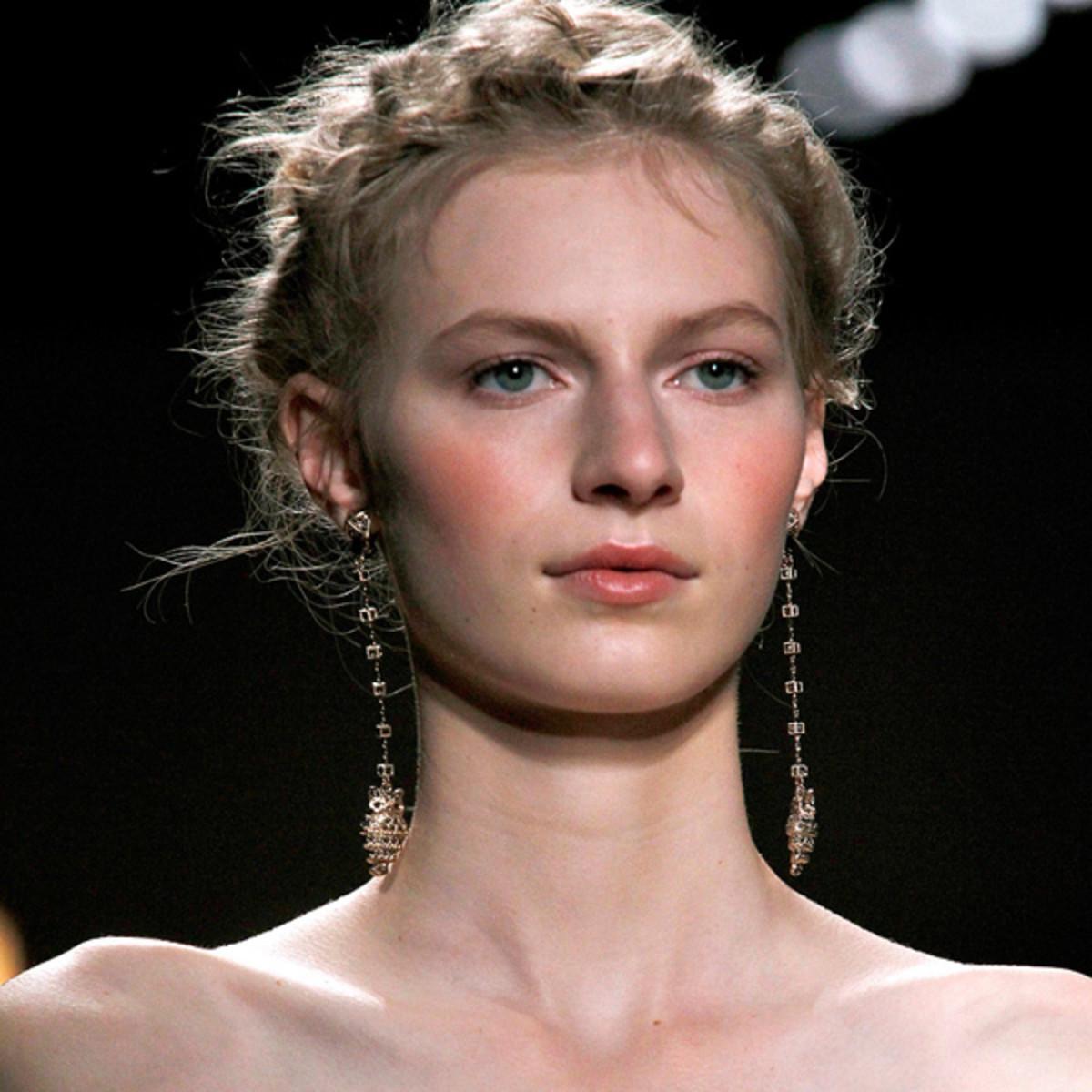 Valentino-Spring-2012-beauty