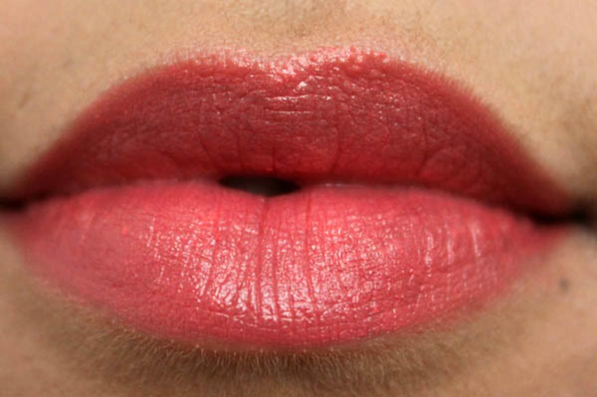 Revlon Super Lustrous Lipstick in Coralberry (2)
