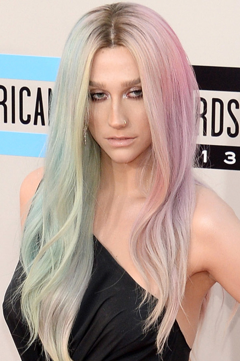 Kesha, American Music Awards, 2013