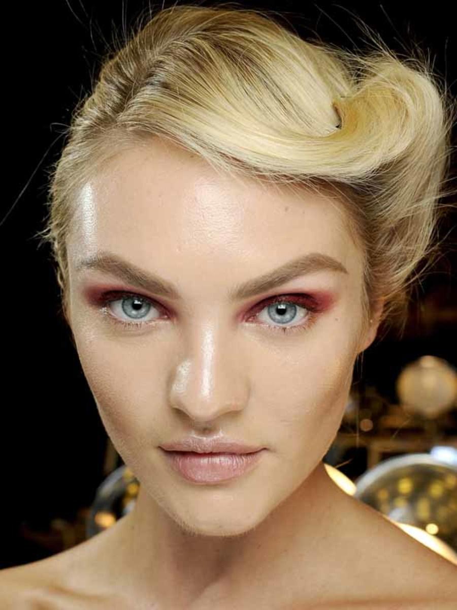 Donna Karan - Fall 2012 makeup
