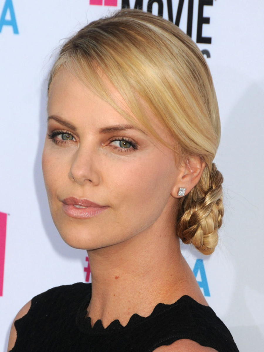 Critics-Choice-Awards-2012-Charlize-Theron