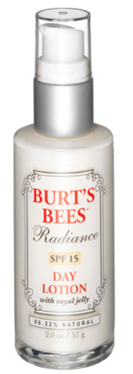 burts-bees-radiance-spf-15-day-lotion