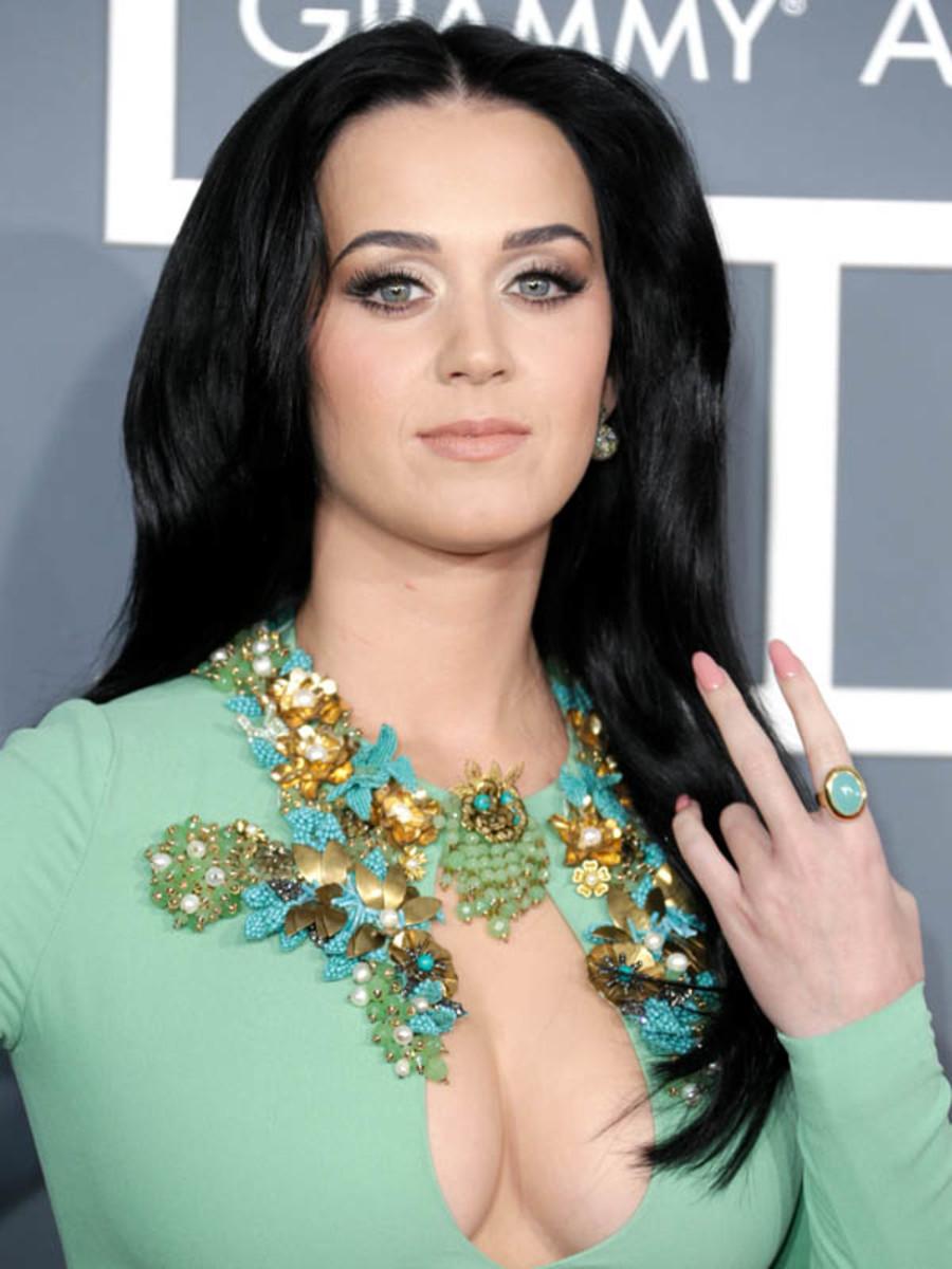 Grammys 2013: Katy Perry\'s Pink Stiletto Nails - Beautyeditor