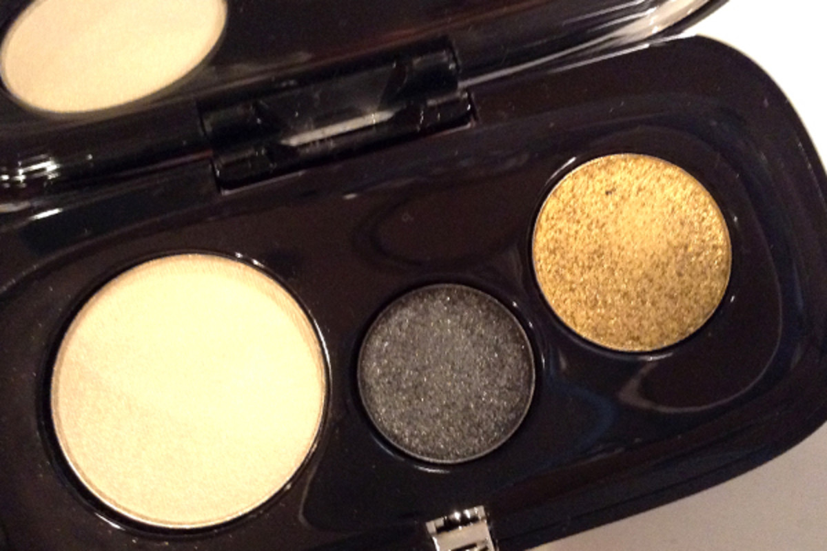 Marc Jacobs Beauty The Showstopper 7-Piece Holiday Set eyeshadow swatches