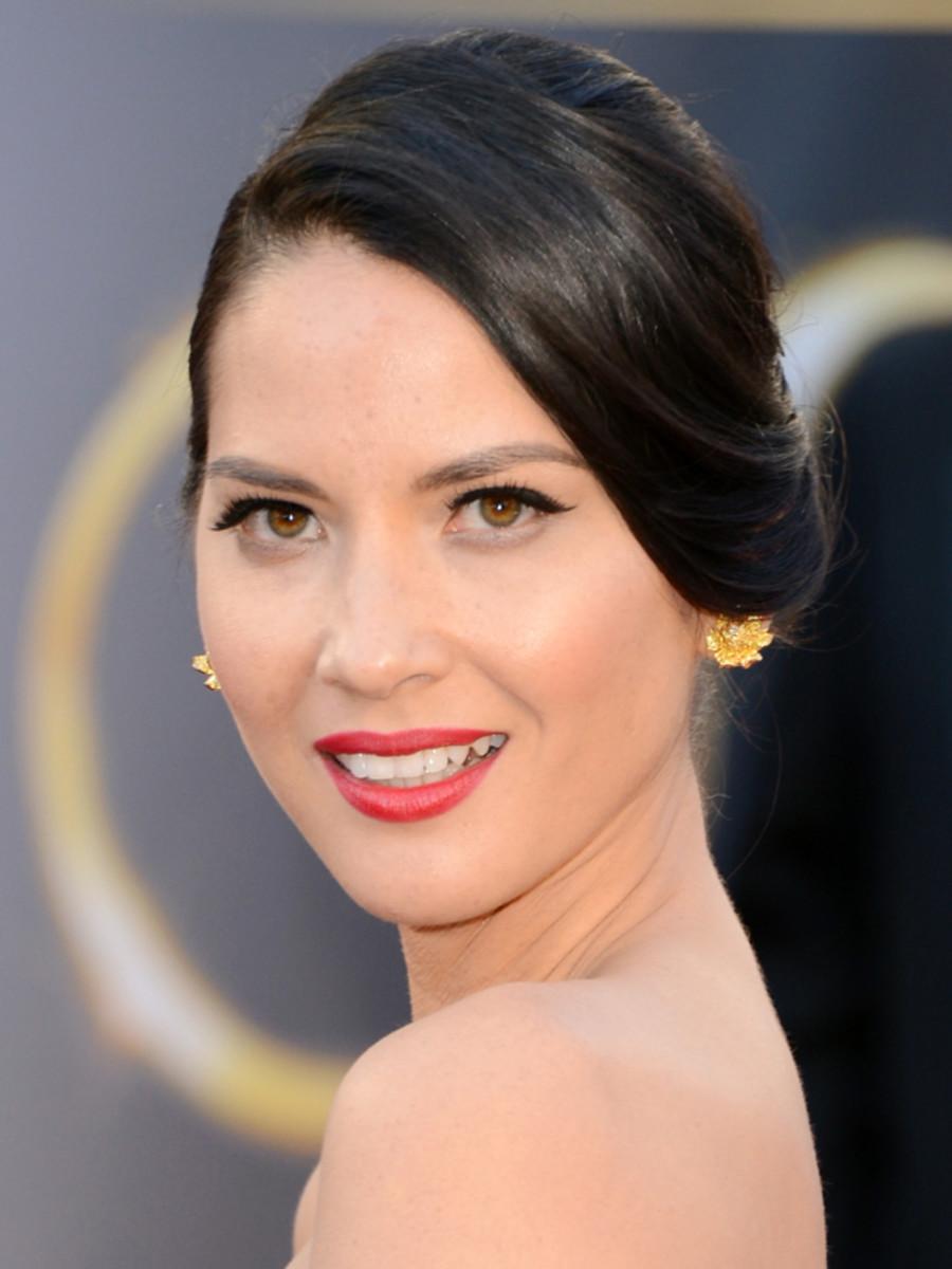 Olivia Munn - Oscars 2013