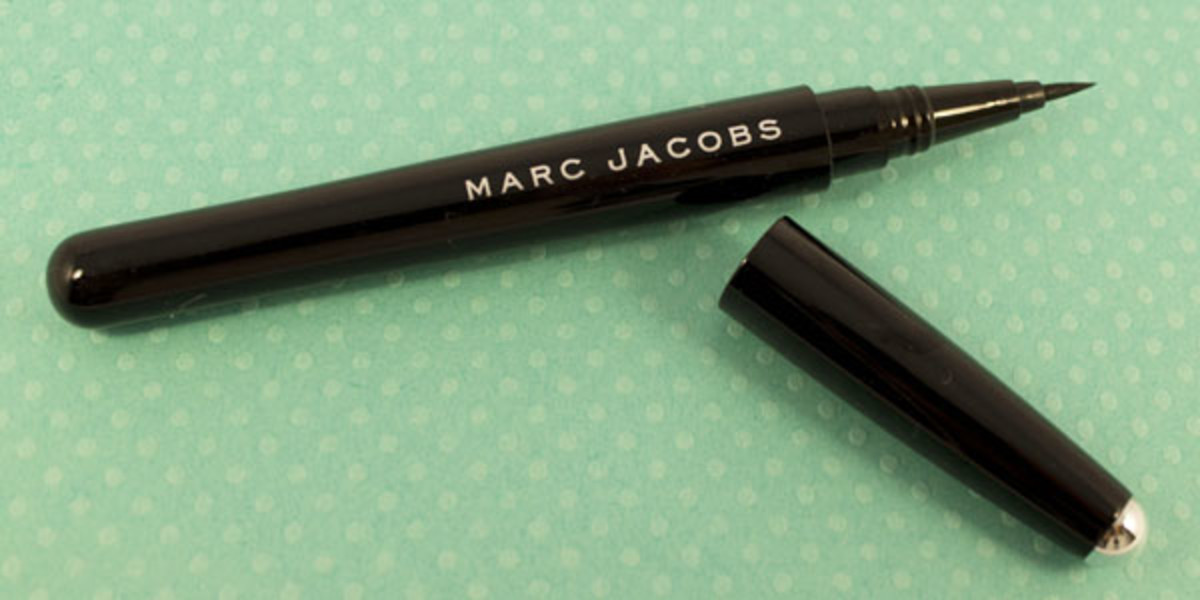 Marc Jacobs Magic Marc'er Precision Pen Eyeliner in Blacquer