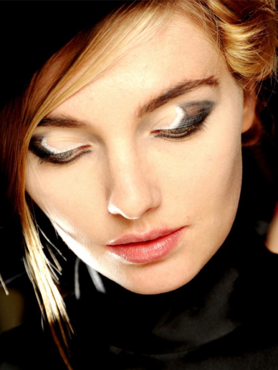 Giorgio-Armani-FW12-makeup