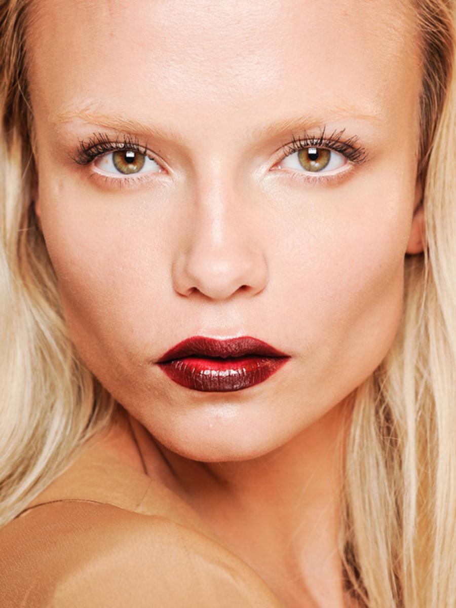 Gucci-FW12-makeup