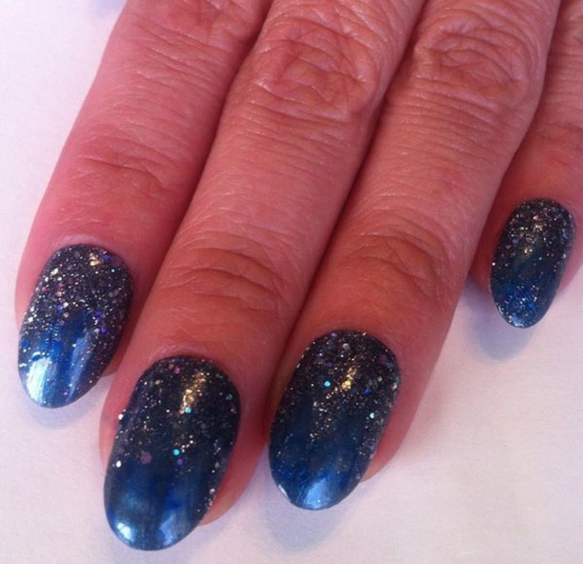 Starry night manicure