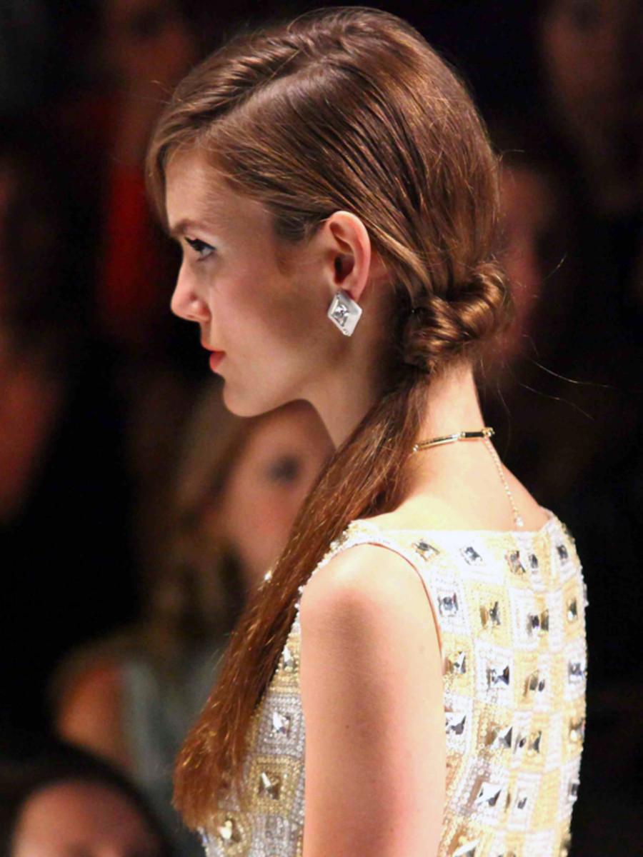 Jenny Packham - Spring 2013 hair - side