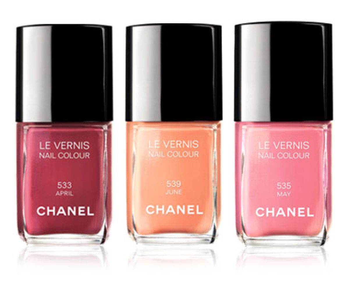 Chanel-spring-2012-nail-polish