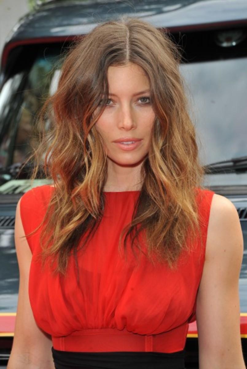 Jessica-Biel-textured-hair
