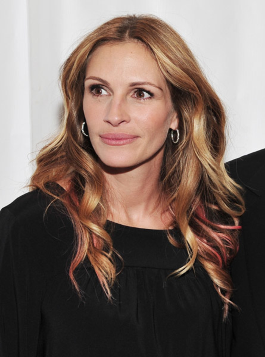 Julia Roberts - coloured hair streaks