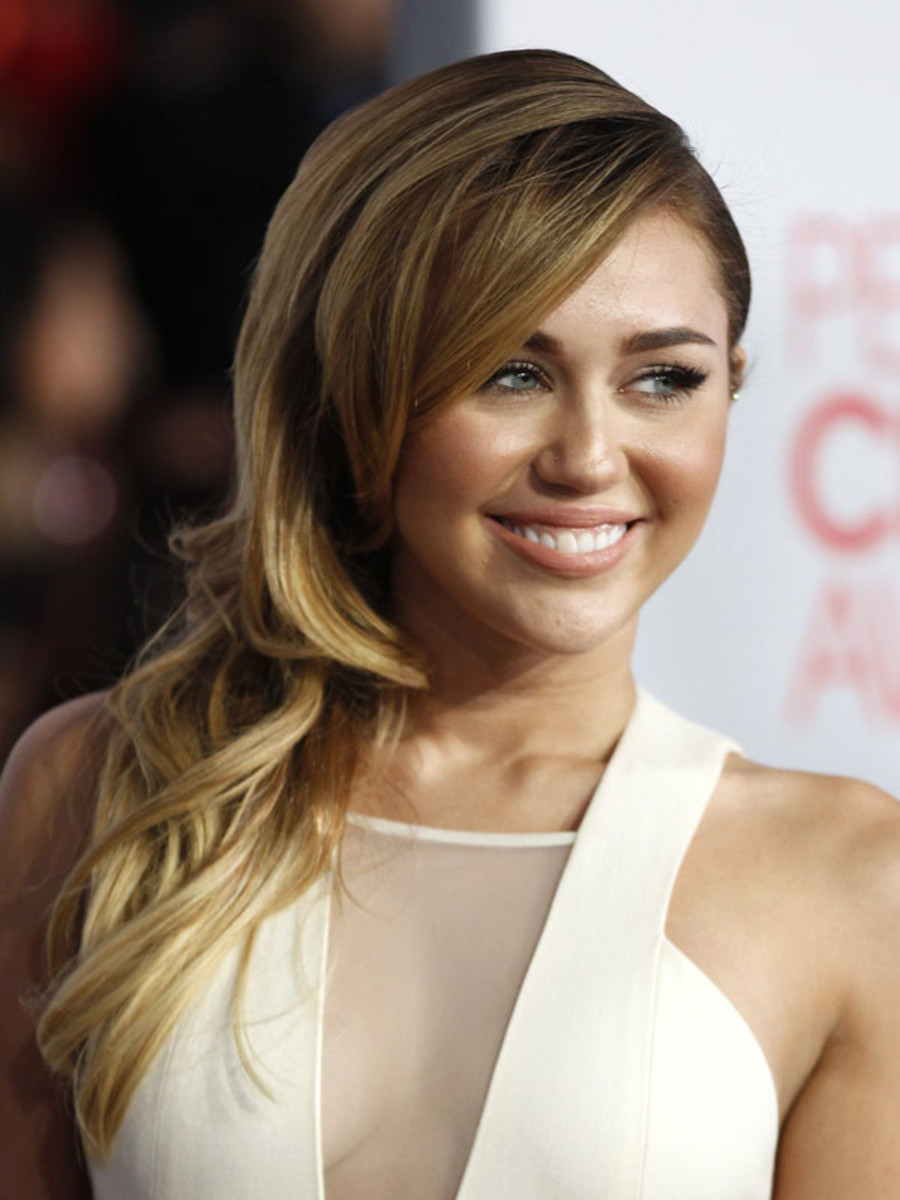 Peoples-Choice-Awards-2012-Miley-Cyrus