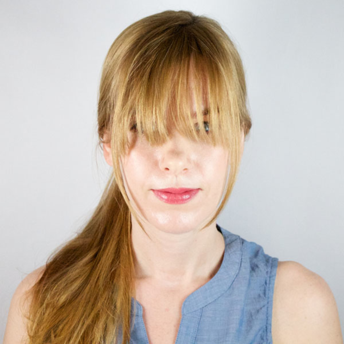 How to get long bangs out of your face beautyeditor how to style long bangs 2 urmus Gallery