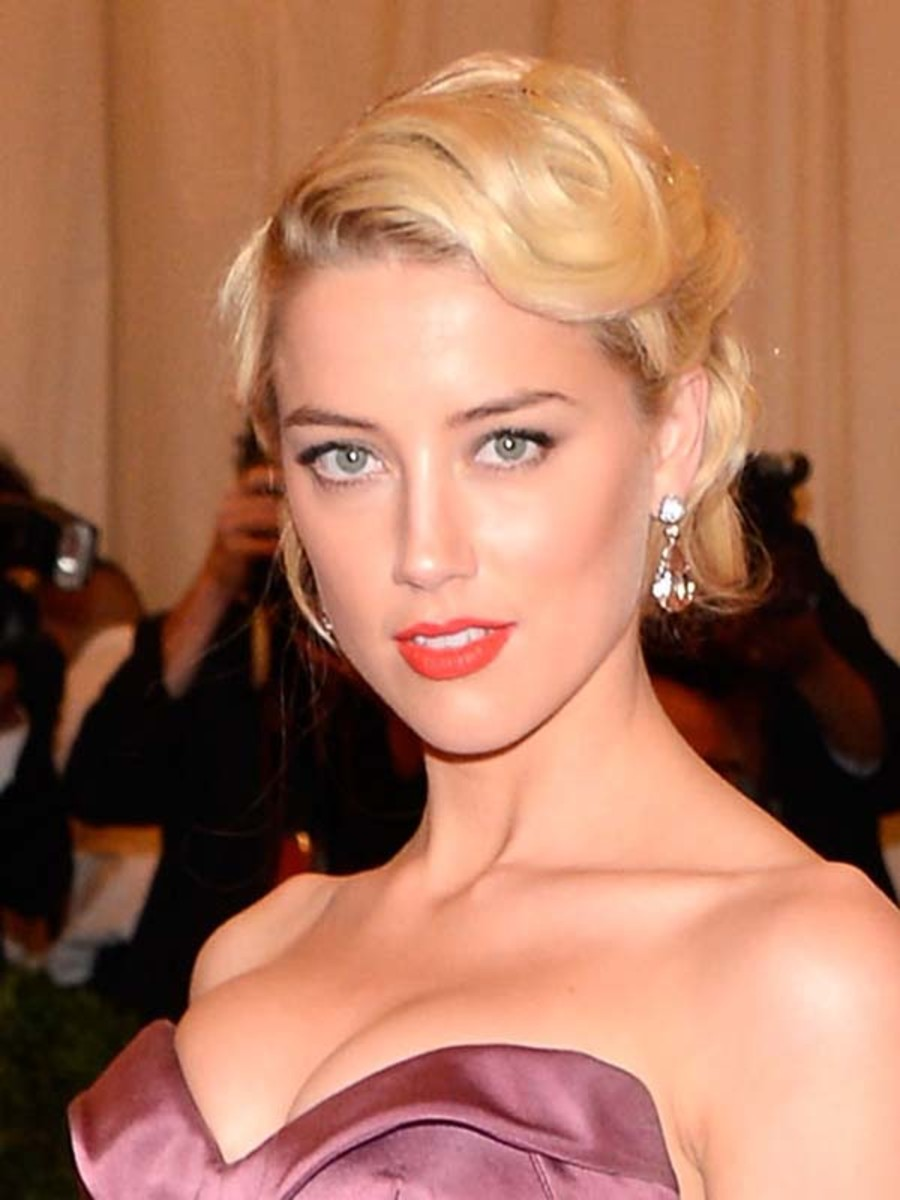 Amber-Heard-Met-Ball-2012