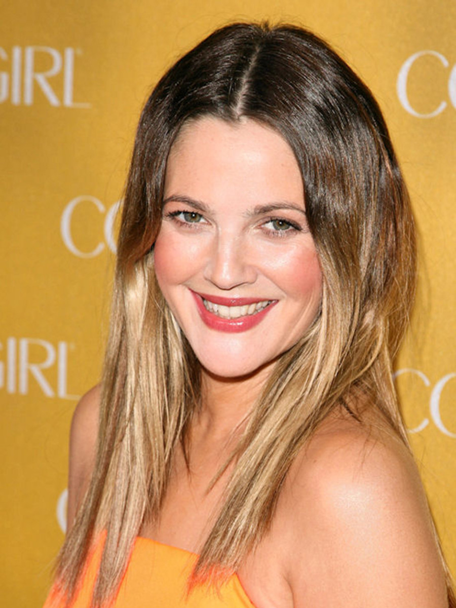 Drew-Barrymore-CoverGirl-50th-anniversary-party