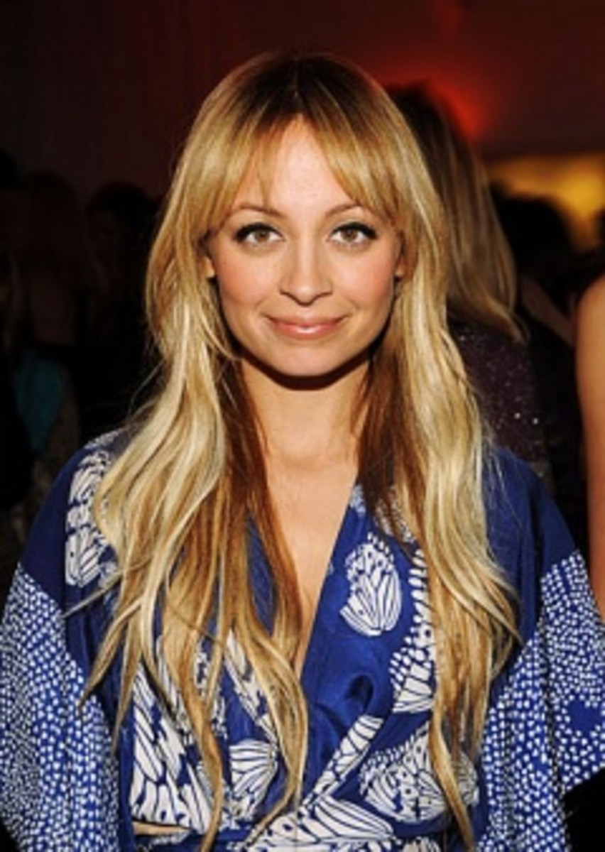 0226-nicole-richie-long-hair_li