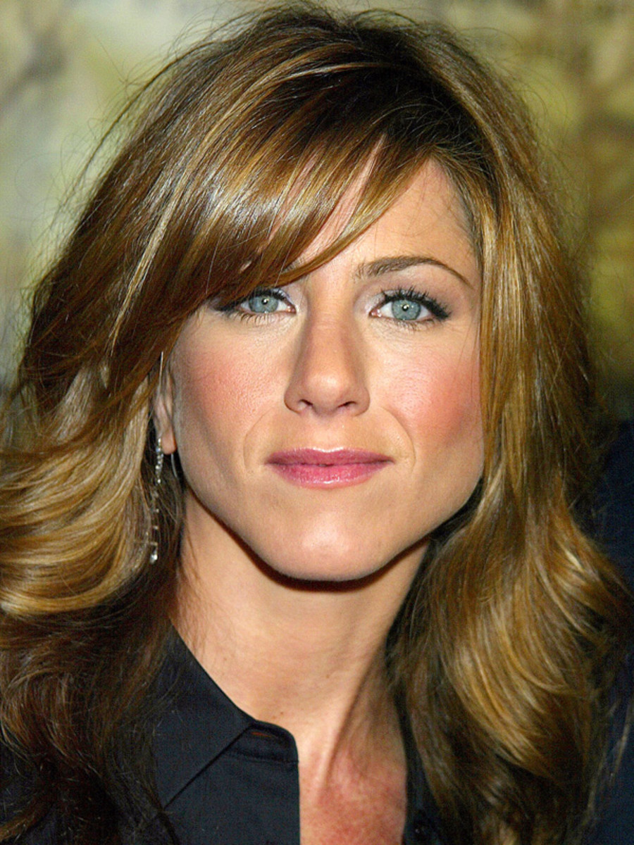 Jennifer Aniston pear face bangs
