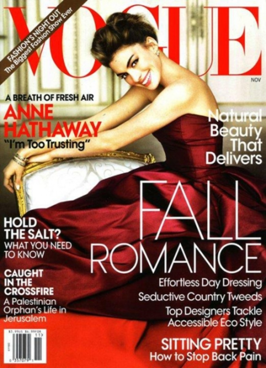 Anne-Hathaway-November-2010-Vogue-cover