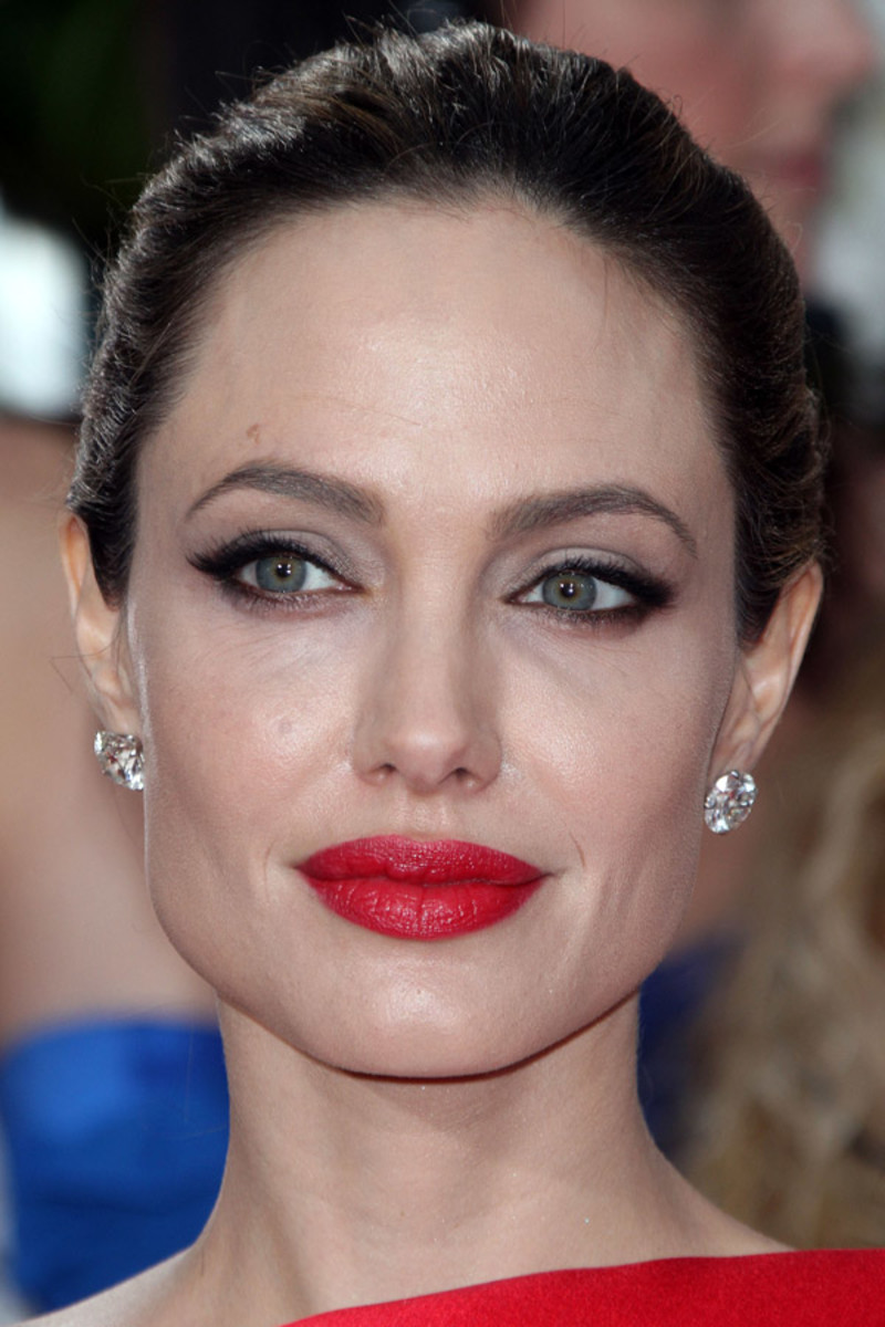 Angelina Jolie, Golden Globe Awards, 2012