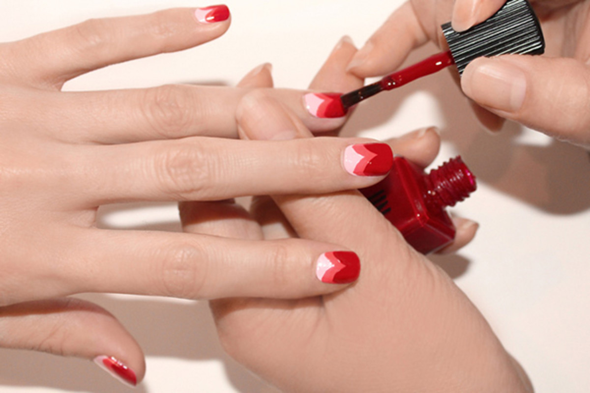 Heart manicure tutorial - step 5