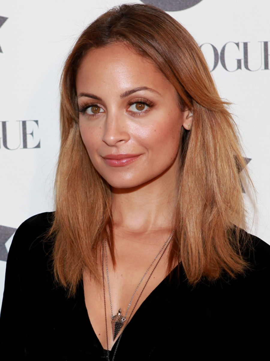 Nicole Richie - bronde mid-length hair